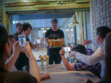 Praha celebrate with beer